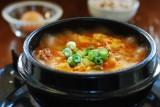 Sundubu jjigae | Stufato di tofu, frutti di mare e funghi alla coreana | Corea