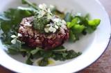 Beetroot salad | Hamburger di rape rosse con insalata d'orzo | Svezia
